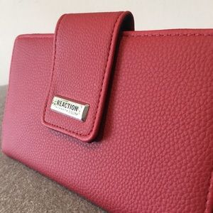 NET Kenneth Cole Whitney Flap Wallet